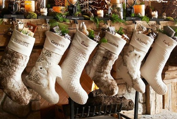 Rustic-Christmas-Decorating-Ideas-33-1-Kindesign
