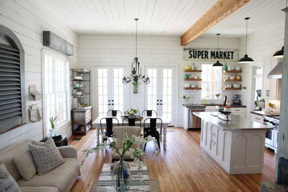 gallery-1454447648-gaines-livingroom